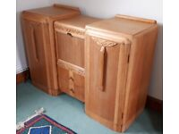 Beautiful stripped oak veneered arts&craft style sideboard