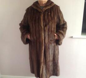 Real fur vintage Coat. Size 18/20