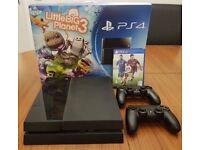 Playstation 4 500GB Great Condition BOXED + 2 Controllers + FIFA 15