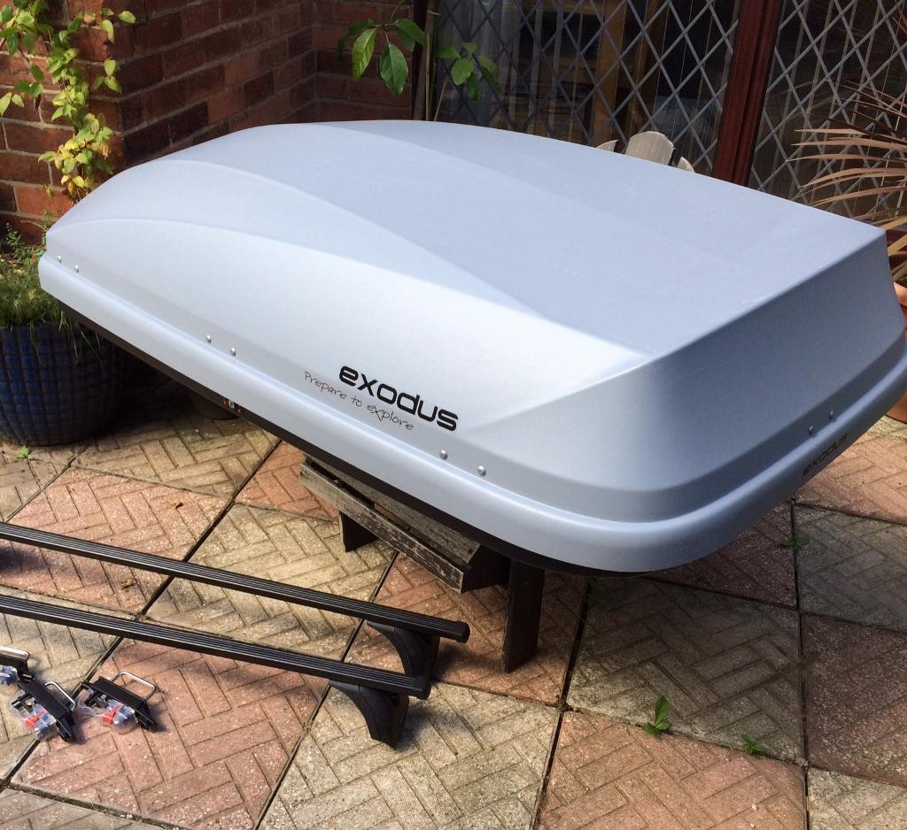 halfords exodus 470l roof box and fixed point roof bars. Black Bedroom Furniture Sets. Home Design Ideas