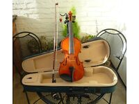 1/2 Violin outfit with shoulder rest - Excellent all round condition.