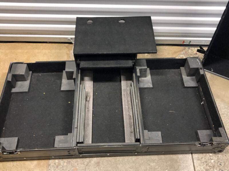 Odyssey FZBM12WBL Universal Turntable DJ Coffin with Wheels