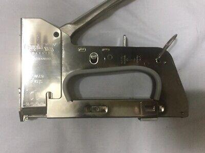 Grapadora Profesional Rapid R36 para cable coaxial RG6 y red CAT6