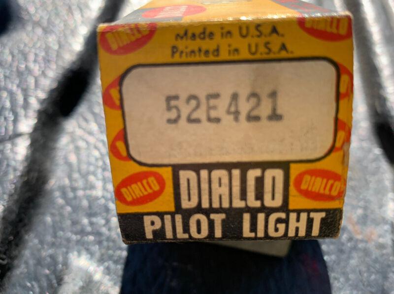 Dialco Pilot Light 12 Volt Red Faceted Lense