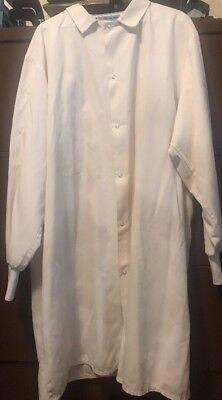 - Unisex's USED WHITE ARAMARK (#3069) POCKETLESS Knit-Cuff Poplin Lab Coat- XLarge