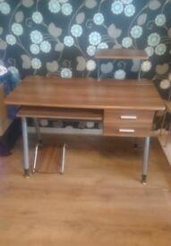 Like New hardly used desk OPPOTUNITY