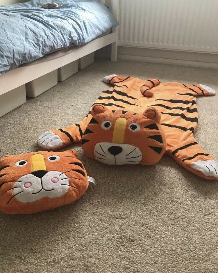 Tiger rug and pillow matching kids toddler bedroom