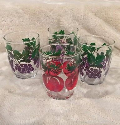 "VTG Set of 4 - 3"" Tall Clear Juice Glasses Grapes & Apple Graphics Cup Mug"