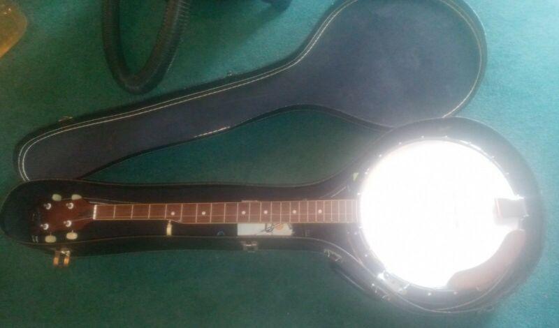 Vintage THE CONQUEROR Banjo Closed Wood Back +Case