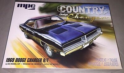 MPC 1969 Dodge Charger R/T Country Charger 1/25 scale model car kit new 878 *
