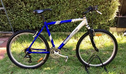 MONGOOSE PRO DX 4.0 MOUNTAIN BIKE