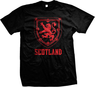 Red Scotland Distressed Country Crest   Scottish Scots Mens T Shirt