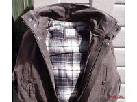 MEN'S SUEDE LEATHER BIKER STYLE 3/4 LENGTH JACKET, (NEW UNUSED) SIZE 40-41,