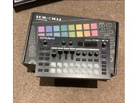 ROLAND MC101 *USED ONCE* *GREAT CONDITION
