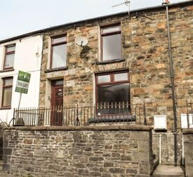 TO LET! Newly renovated, 2-bedroom, mid-link house in Ystrad road, Pentre. £450 PCM.