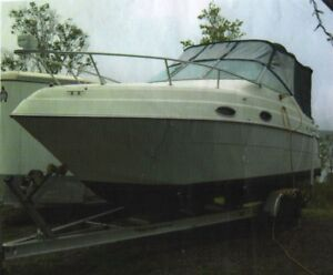 1999 Four Winns Vista Cabin Cruiser 26'