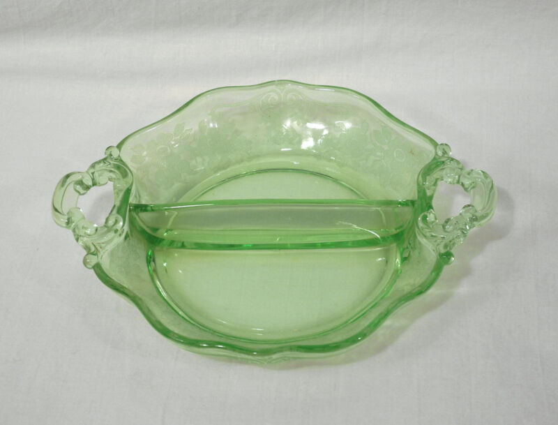 Elegant Depression Glass Cambridge APPLE BLOSSOM Emerald Green 2 Part Relish