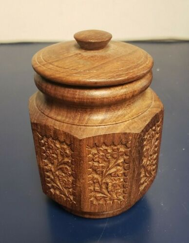 Vintage carved wood bowl or trinket box with lid,Excellent Condition