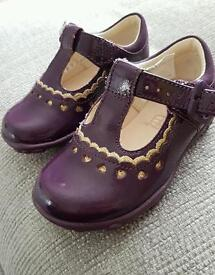 Clarks purple patent leather shoes girls 4G