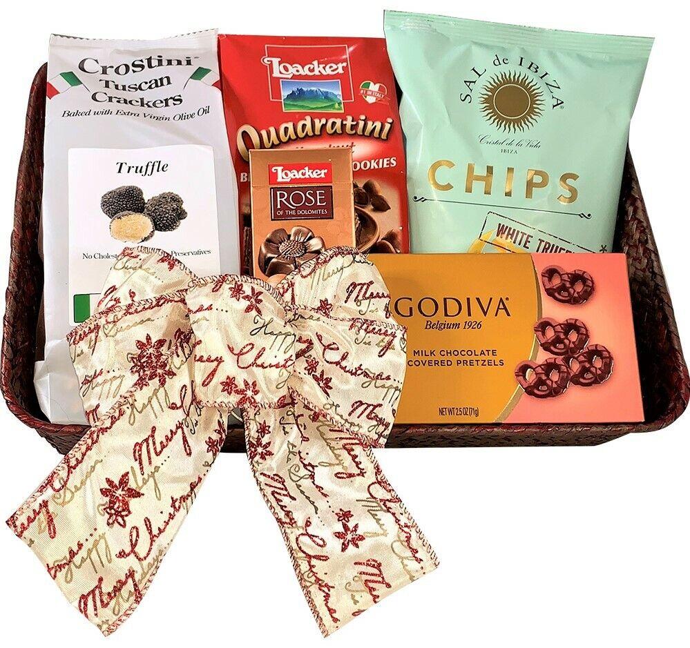 Sweet & Savory Christmas Gift Basket - Gourmet Food Basket P
