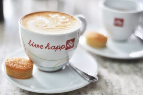 ILLY CAPPUCCINO 6 oz  2 CUPS + 2 SAUCERS LIVE HAPPilly,