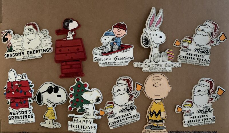 Peanuts Snoopy Flexible Magnet Vintage Collection