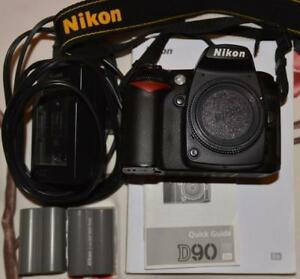 Nikon D90 12.9MP avec 2 batteries, 16450 clicks, très propre