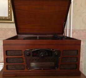 Retro/vintage vinyl record player