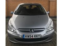 Silver Peugeot 307 for sale