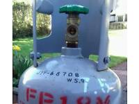 Full 7.5 kg Gas Bottle with adaptor. Good size for camping / barbecue