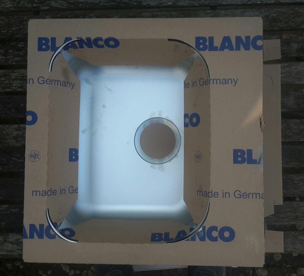 Blanco Toga 45 stainless steel kitchen sink, taps & splashback | in ...