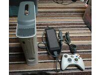 XBOX 360 60GB CONSOLE + 30 GAMES + 39 EMPTY CASES