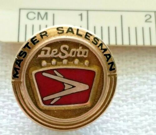 DeSoto Master Salesman Lapel Pin 10k Gold 15mm (Automobile History)