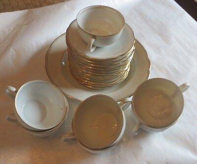 Ensemble «Bavaria 9 »  de 1 grande assiette, 12 sous tasse et 7 tasses – 1 tasse