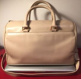 Saint Laurent Classic Duffle leather Handbag