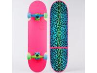 "BRAND NEW Globe Banshee Skateboard Complete (8.375"")"