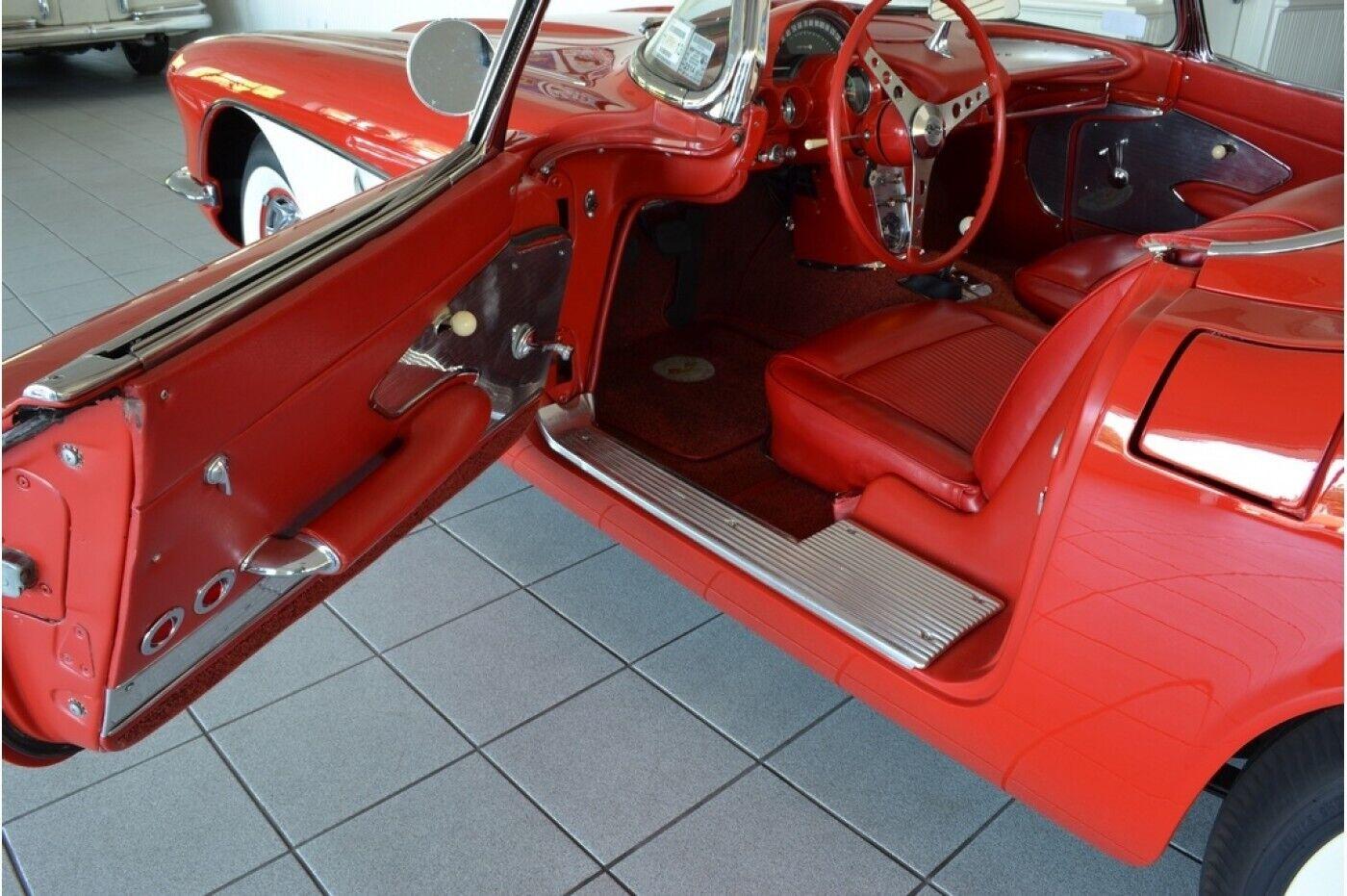 1961 Red Chevrolet Corvette   | C1 Corvette Photo 7