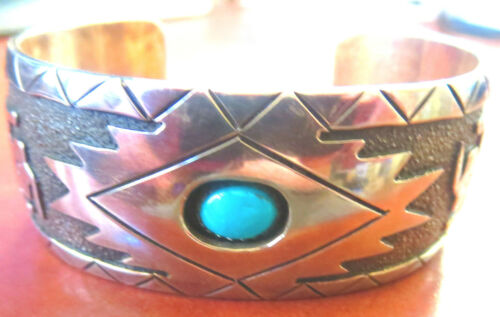 EXCEPTIONAL DESIGN & WORKMAMSHIP Native American Sterling & Turquoise BRACELET