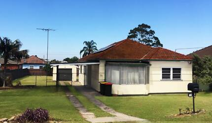 3 Bed House for rent Guildford NSW 2161 Ducked Air & Solar System