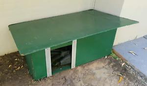 Dog kennel (medium sized)