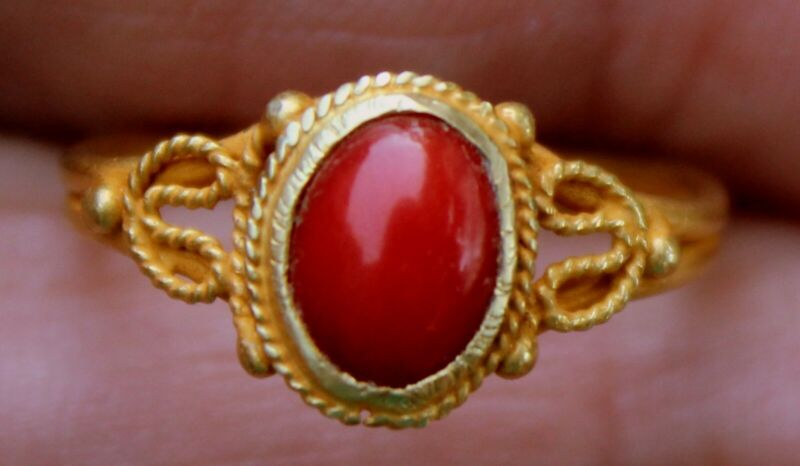 Very Old 22K 22 Karat Solid Yellow Gold & Red Sea Coral Ring