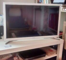 Ikea Lack TV/coffee table.