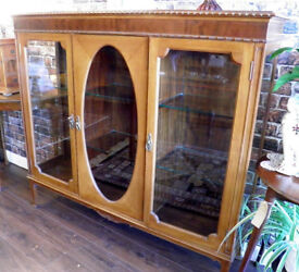BEAUTIFUL EDWARDIAN MAHOGANY DISPLAY CABINET - WE CAN DELIVER