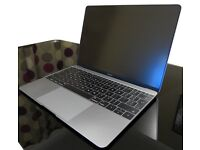 Macbook 12 mint boxed 2015 with software bundle