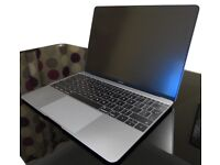 MacBook 12 mint 2015 8gb with preinstalled software package and multi port hub
