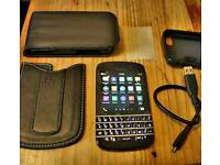 Blackberry q10 Unlocked, all accessories. Immaculate condition