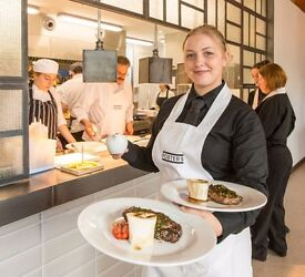 COMMIS CHEF AND KITCHEN PORTERS 'AA ROSETTE' RESTAURANT