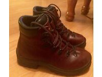 Size 7 ladies hiking boots