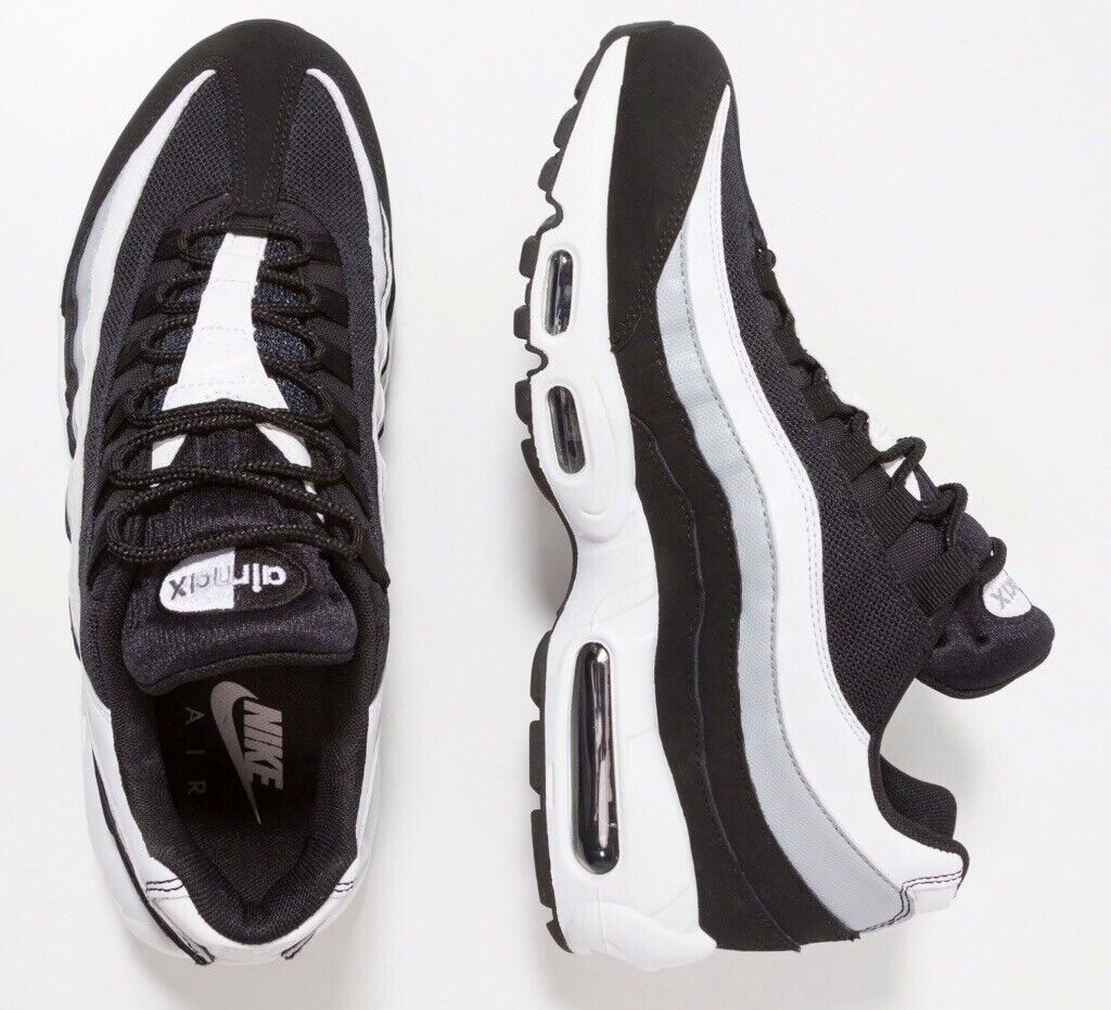 Nike Air Max 95 Essential trainers, UK size 7.5, black white