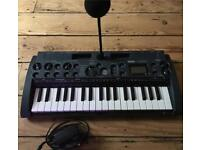 Korg microkorg midi/usb sampling keyboard